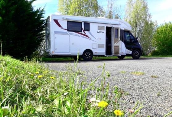 Aire camping-car � Mont-Saint-Michel (50170) - Photo 1
